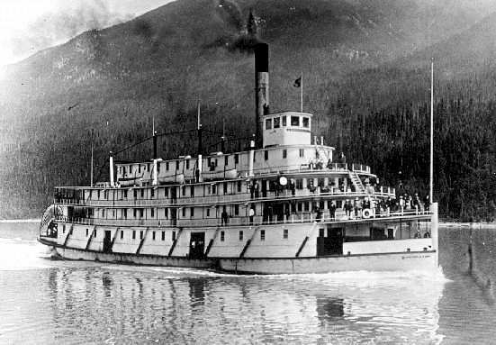 SS Bonnington Plying the Waters of Lower Arrow Lake