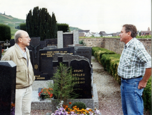 The two Sons Hartmut and Jürgen Kegler Visiting his Grave
