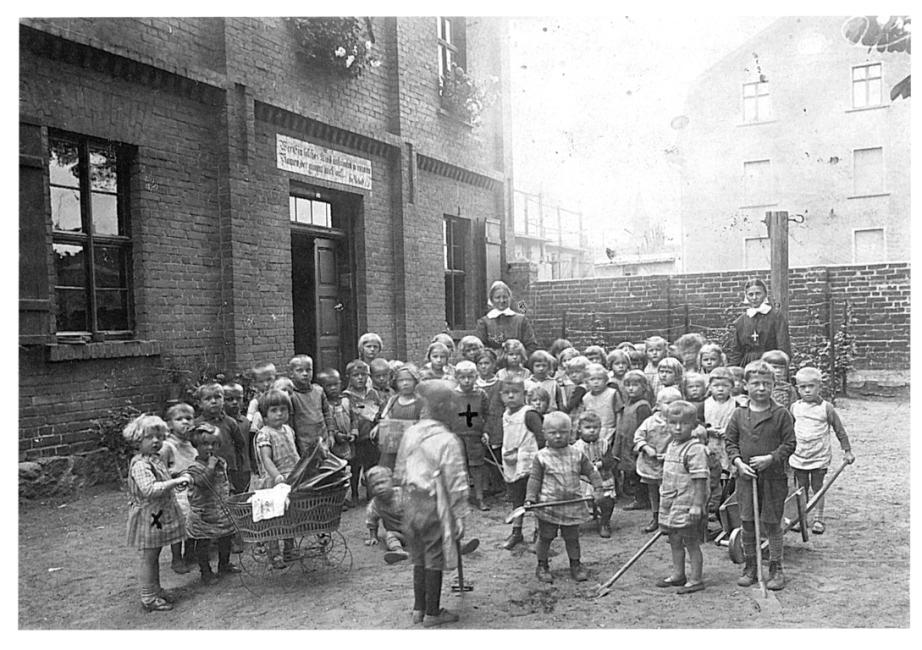 32, Tantenschule 1928