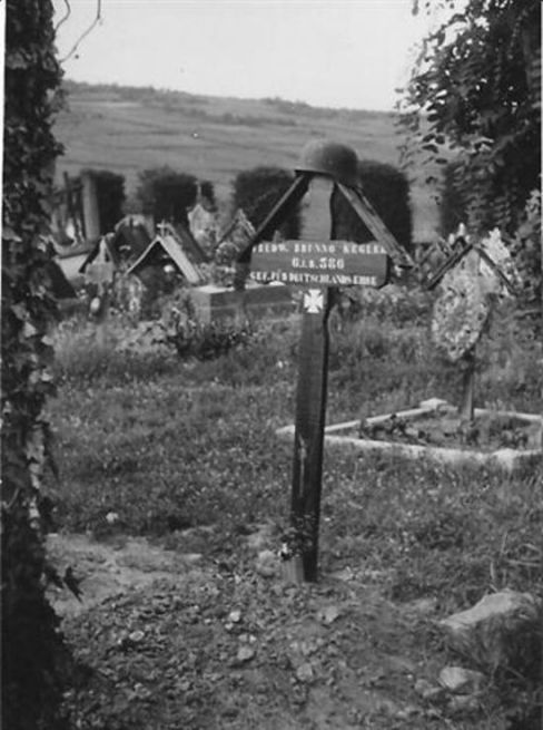 Bild 11 Erstes Grabkreuz in Kientzheim
