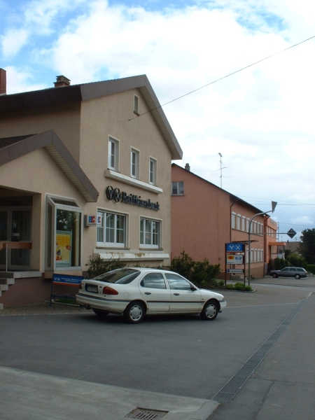 Local Credit Union 2003 - Photo Credit: Stefan Klopp