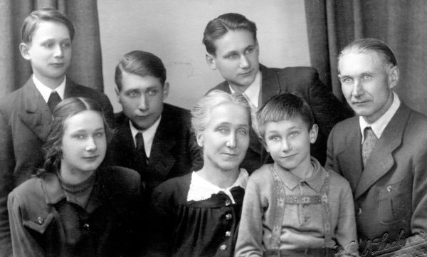 The Klopp Family - Palm Sunday 1950