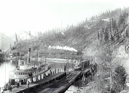 1918 Paddlewheeler S.S. Slocan docked on Slocan Lake, East of the Arrow Lakes 1918 - Photo Credit: CBT.org