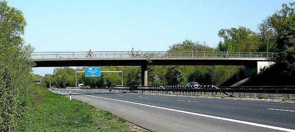 Typical Autobahn Bridge - Photo Credit cdu-nauheim.de-