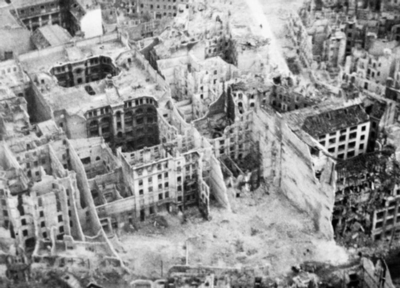 Berlin 1945 - PhotoCredit: forum.warthunder.com