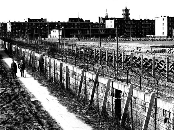 Berlin Wall - Photo Credit: hstrclgrl.blogspot.ca