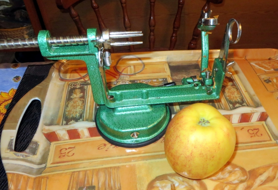 This ingenious machine can peal and slice the apples in less than 10 seconds.