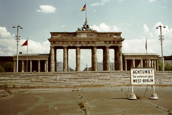 Brandenburg Gate - Photo Credit: rosch.homepage.eu