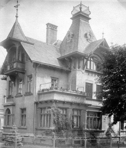 Das Elternhaus an der Reinhardsbrunner Straße