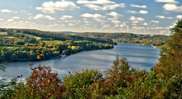 Lake Baldeney near Essen - Photo Credit: mapio.net