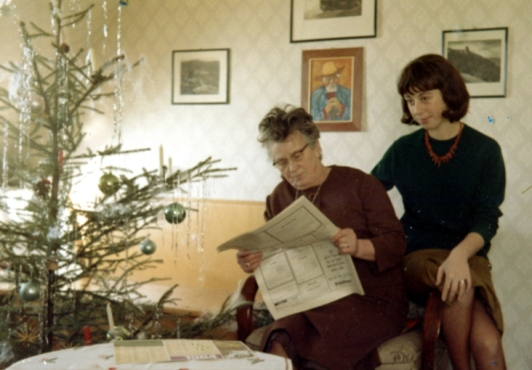 Biene and Mother ß Christmas 1963