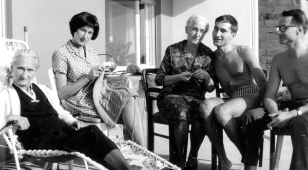 Family Gathering: Aunt Mieze, Eka (Lavana), Mother, Peter and Adolf