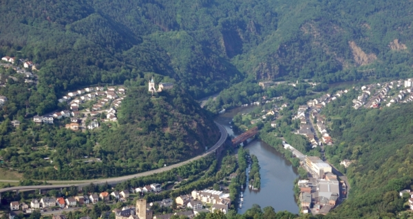 Castle Lahneck in the Lahn Valley - Photo Credit: wikipedia.org