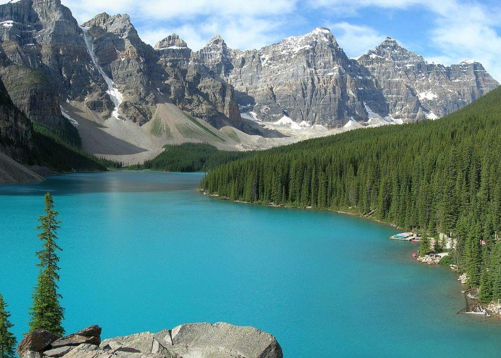 1200px-Moraine_Lake-Banff_NP