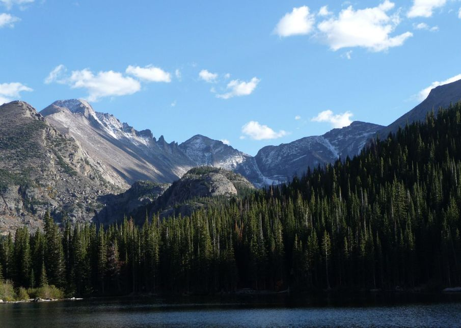 1200px-Rocky_Mountain_National_Park_in_September_2011_-_Glacier_Gorge_from_Bear_Lake.JPG