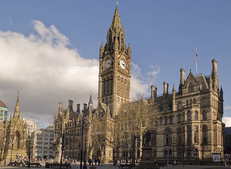 800px-Manchester_Town_Hall_from_Lloyd_St